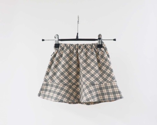 Burberry skirt(Baby 90size)