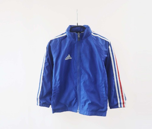 adidas jacket(KIDS 120size)