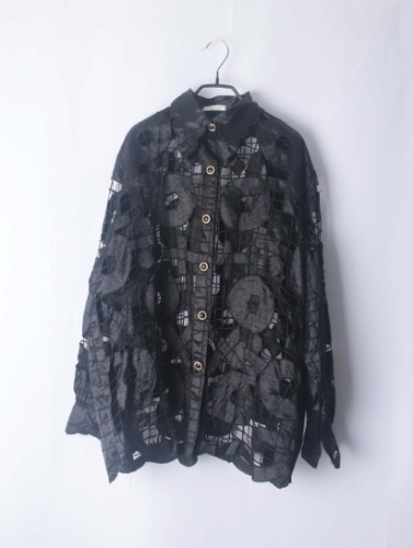 overfit lace shirt