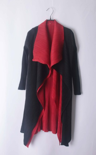 Pleats reversible coat